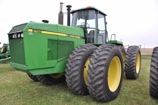 90 JD 8760 4WD tractor