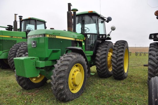 90 JD 4555 tractor