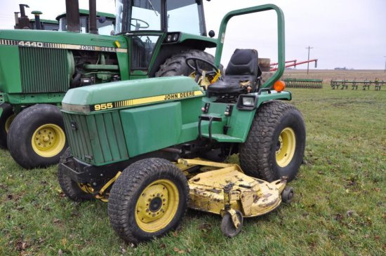 JD 955 compact utility tractor