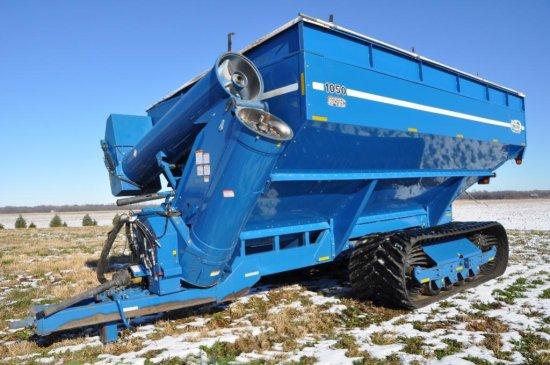 '03 Kinze 1050 Harvest Commander grain cart