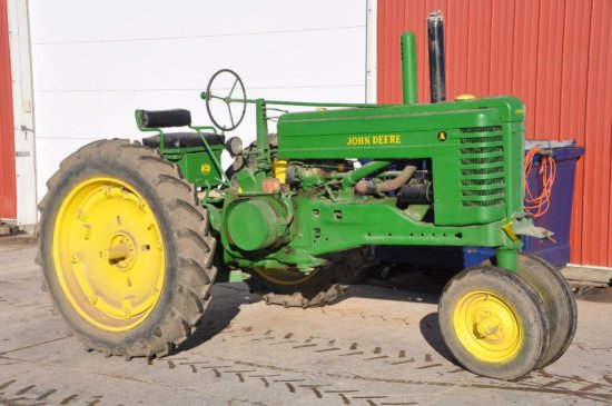 JD A tractor