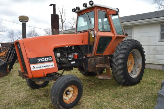 AC 7000 tractor