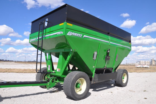 '12 Unverferth 757Q gravity wagon
