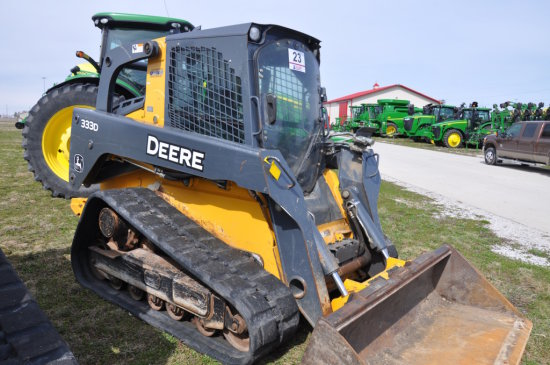 '12 JD 333D track skid loader