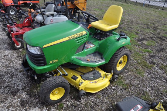 JD X724 Ultimate riding mower
