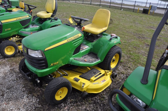 JD X744 Ultimate riding mower