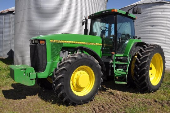96 JD 8400 MFWD Tractor