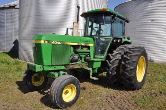 81 JD 4040 2WD Tractor