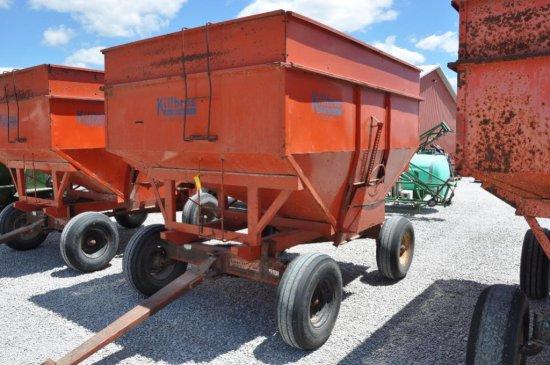 Killbros. 350 gravity wagon on Farmers Pride 10-ton running gear
