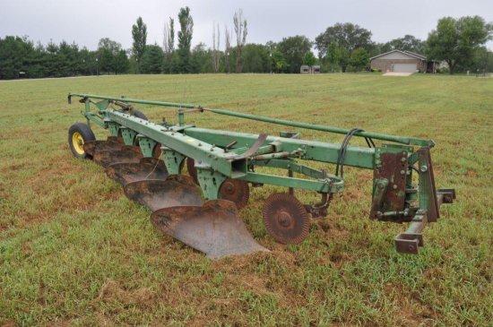 JD 1350-1450 6-bottom plow