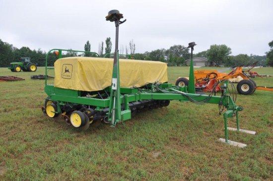 JD 750 15' no till grain drill