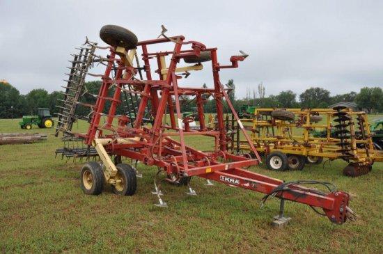 Krause 4100 model 4223 24' field cultivator