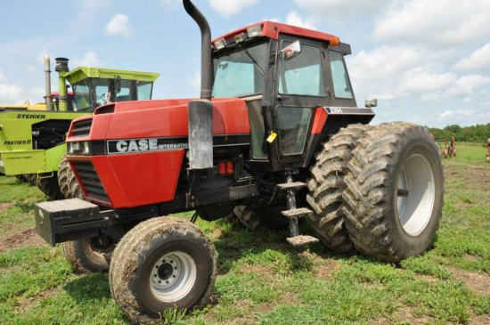 '84 C-IH 2394 2wd tractor