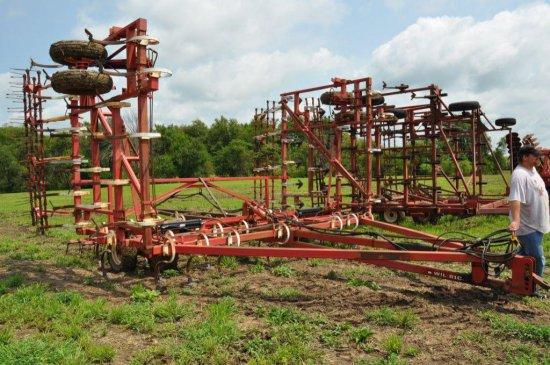 Wilrich 36' field cultivator