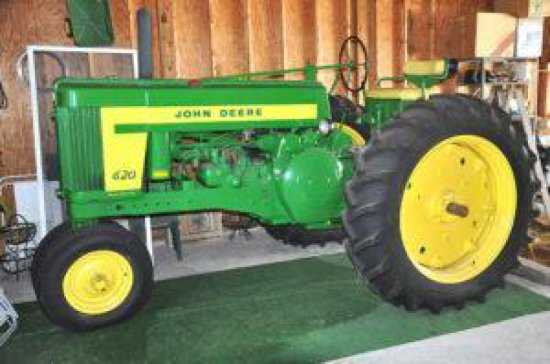 55 JD 620 2-cyl. tractor