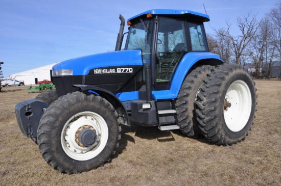 '00 New Holland 8770 MFWD tractor
