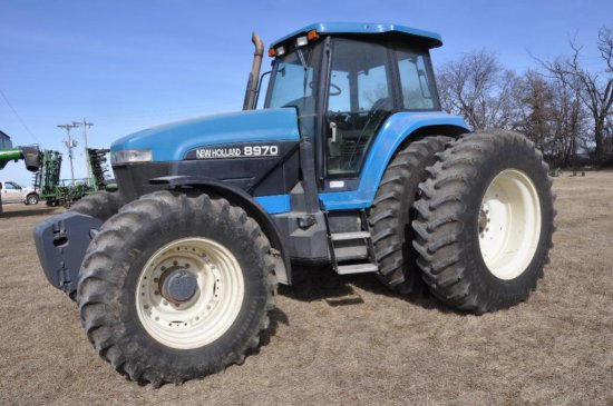'00 New Holland 8970 MFWD tractor