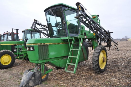 '98 JD 6500 self propelled sprayer