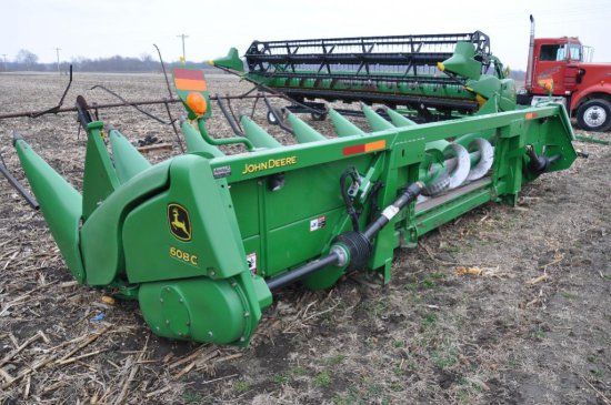 "'09 JD 608C 8 row 30"" corn head"