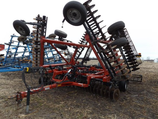 C-IH 330 True-Tandem 33' vertical tillage tool