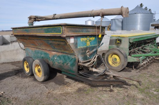 Grain-O-Vator feed wagon