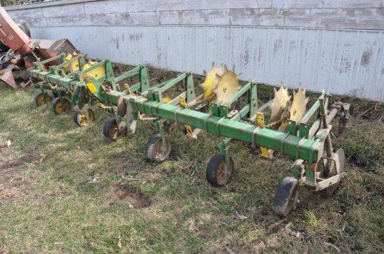 "JD 6 row 30"" cultivator"