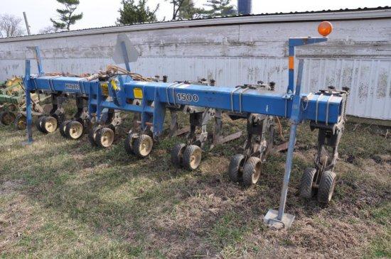 "Kinze 1500 6 row 30"" cultivator"