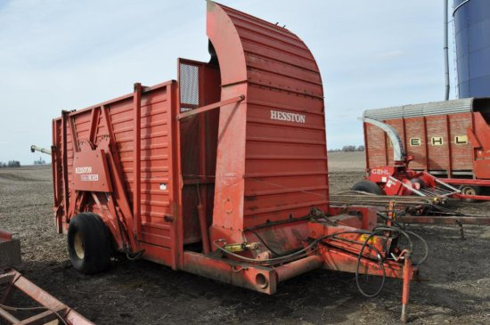 Hesston StakHand 30A stack builder
