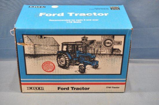 ERTL 1/16TH SCALE FORD 7740 TRACTOR, 1992 COLLECTOR, HOLE IN BOX