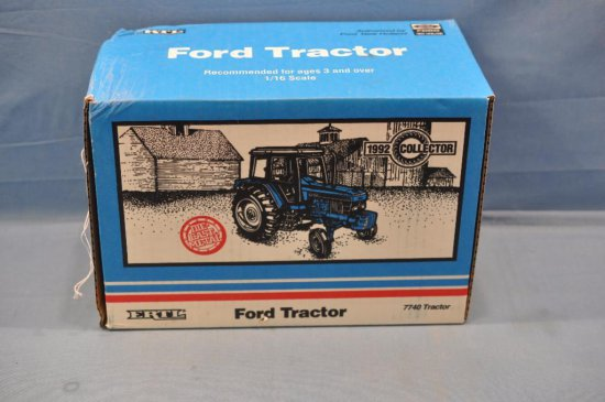 ERTL 1/16TH SCALE FORD 7740 TRACTOR, 1992 COLLECTOR, CREASE IN BOX