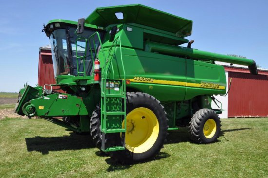 '03 JD 9660 STS 2wd combine