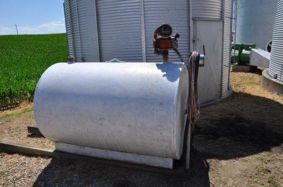 500 gal. fuel tank w/pump & meter