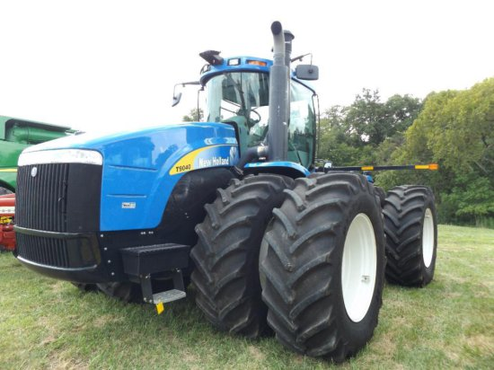 NH T9040 4wd tractor