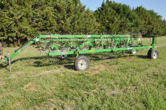 Frontier WR1214C 14-wheel hay rake