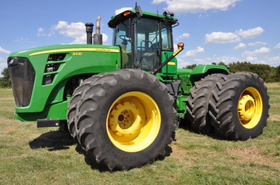 '09 JD 9430 4wd tractor