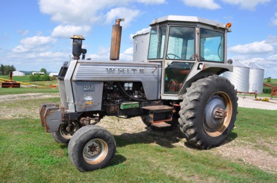 White Field Boss 2-105 2wd tractor