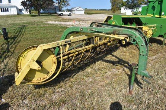 JD 670 5-bar ground driven hay rake