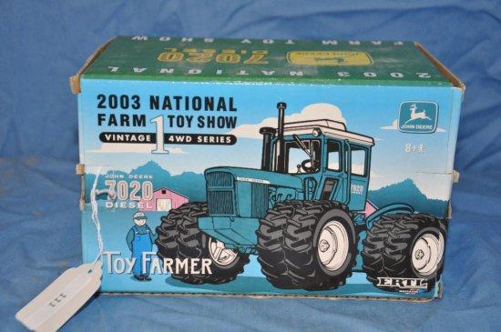 Ertl 1/32 Scale Toy Farmer John Deere 7020 Diesel 4WD Tractor