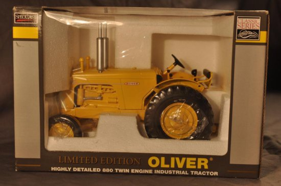 Spec Cast 1/16th Scale Oliver 880 Twin Engine Tractor
