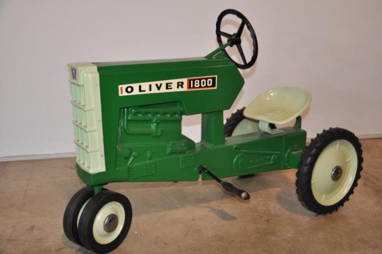 Oliver 1800 Pedal Tractor