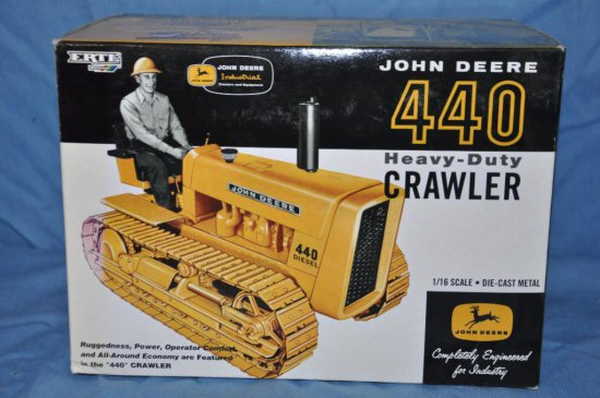 Ertl 1/16 Scale John Deere 440 Heavy Duty Crawler