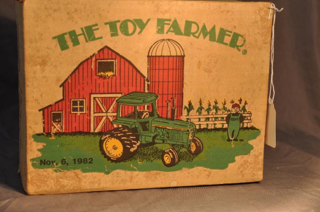 Ertl 1/16th Scale Toy Farmer John Deere 4250 Tractor