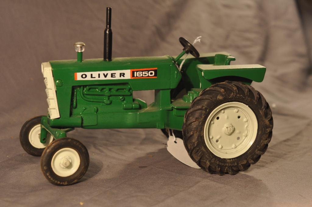 1/16th Oliver 1650 tractor