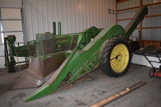 '51 JD A Styled with JD 227 picker