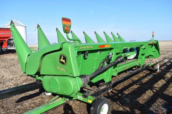"'12 JD 608C 8 row 30"" corn head"