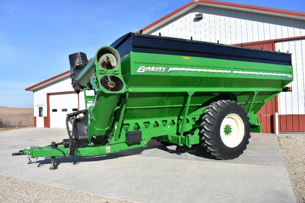 '15 Brent 1196 Avalanche grain cart