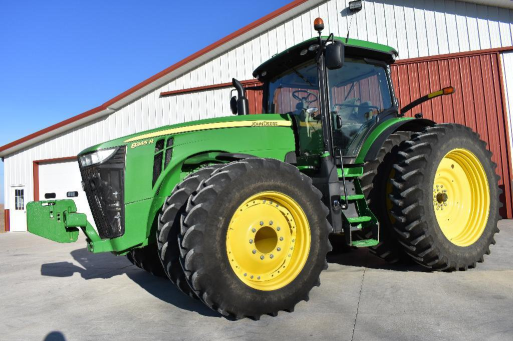 '16 JD 8345R MFWD tractor