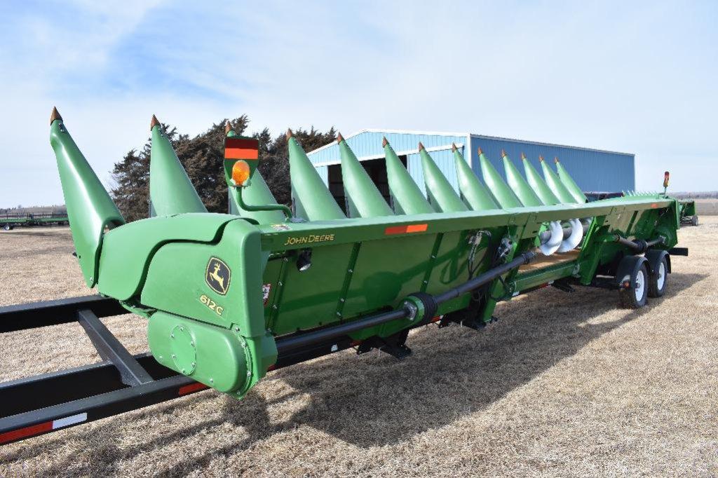 "'15 JD 612C 12 row 30"" corn head"