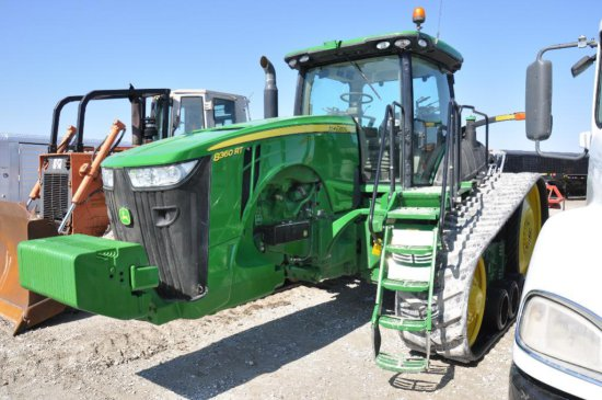 JD 8360RT track tractor