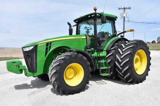 '14 JD 8335R MFWD tractor
